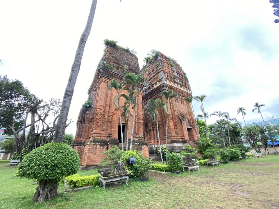 Tháp Đôi nét đẹp văn hóa Chăm Quy Nhơn